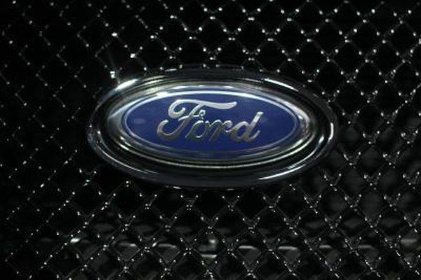 Как устранить неполадки в стеклоподъемнике Ford Taurus