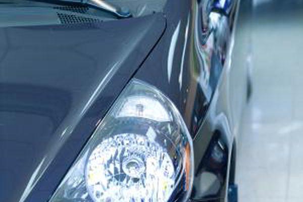 Как исправить автомобильные вмятины с пластиком Bondo