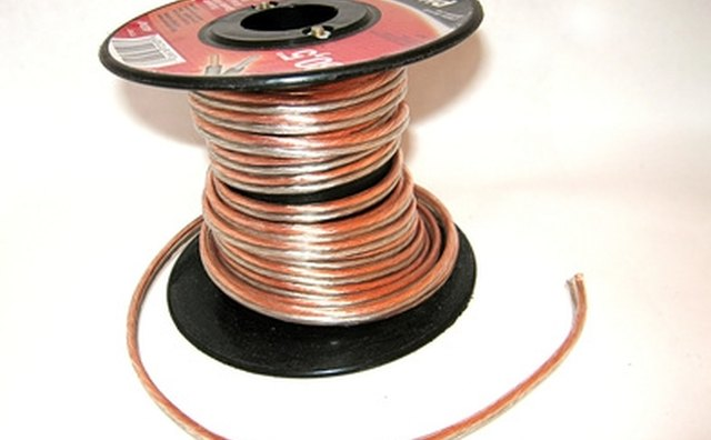 Провод колонок обычно продается в больших шпинделях, что облегчает установку