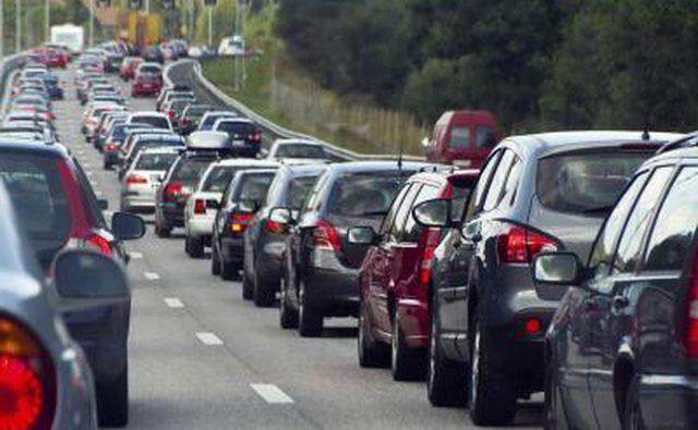 Вождение в остановленном движении потребует более частого использования тормоза