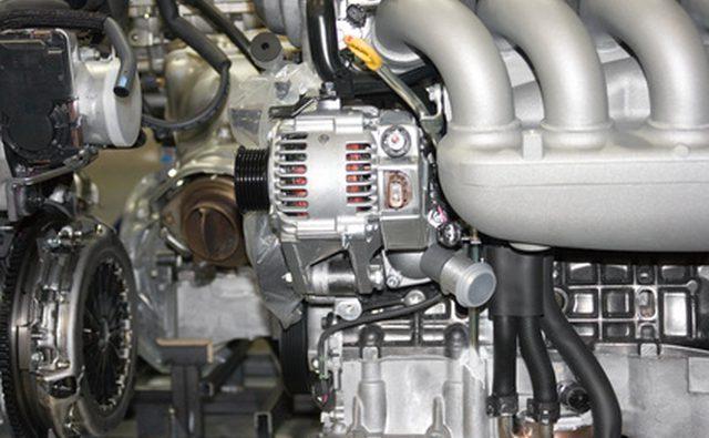 Статор с медной обмоткой положительно идентифицирует генератор. Ротор лежит только внутри.