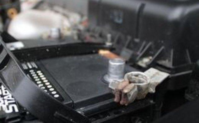 Как очистить клеммы аккумуляторной батареи с помощью пищевой соды
