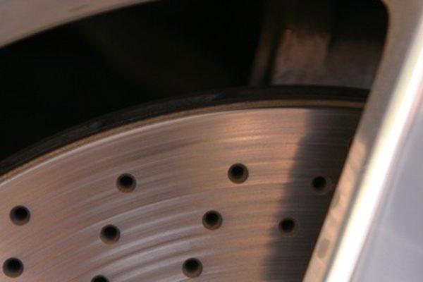Что тормозит скрип на Toyota Camry?