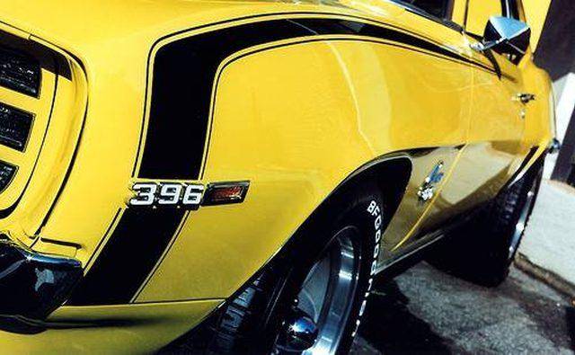 Чистые линии, смелая графика и неподвластный времени стиль Camaro.