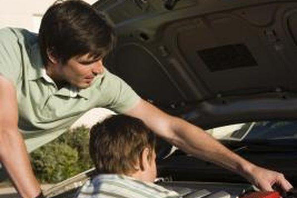 Как отремонтировать водяной насос Dodge Stratus