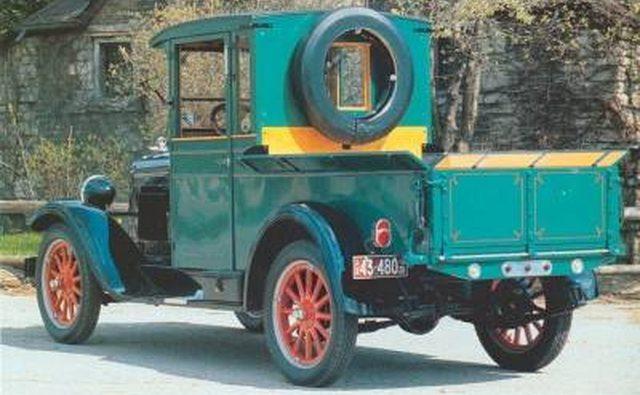 Пикап Chevrolet 1928 года, который также начал свою жизнь как легковой автомобиль.