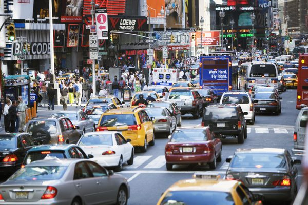 Час пик на Таймс-сквер в Нью-Йорке, Нью-Йорк, США