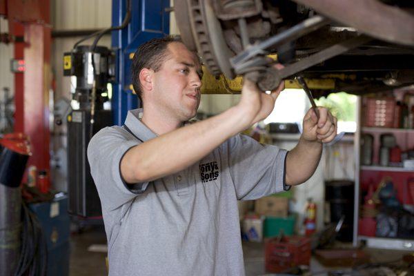 Как поменять тормозные диски на Acura TL