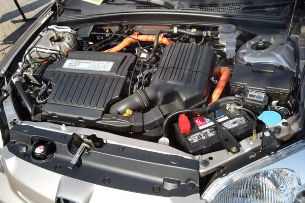 Как поменять масло на Honda Civic Hybrid