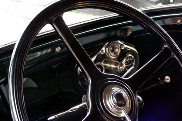 Как заменить выключатель зажигания на Ford Pickup 1984 года