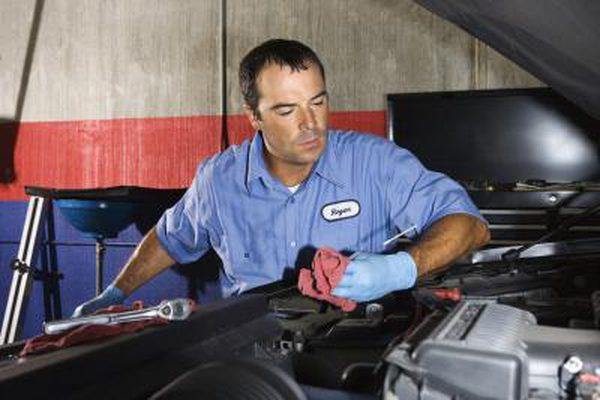Как заменить натяжитель ремня на Ford Ranger
