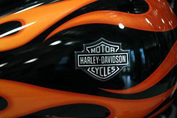 Как зарядить аккумулятор на толстяке Harley Davidson