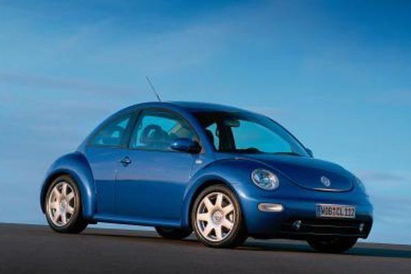 Как заменить перчаточный ящик VW Beetle