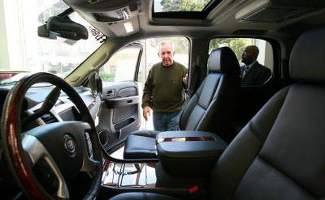 Сиденье водителя Escalade