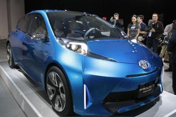 Каковы различия между поколением 1 и 2 поколением Toyota Prius?