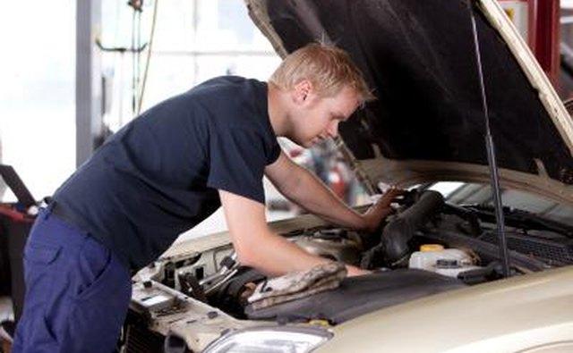 Механический ремонт двигателя автомобиля