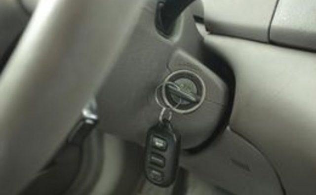 Как почистить разъеденные клеммы автомобильного аккумулятора