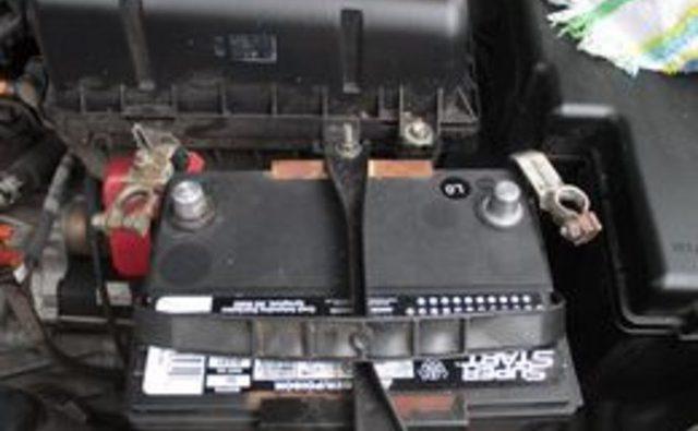 Как очистить разъеденные клеммы автомобильного аккумулятора