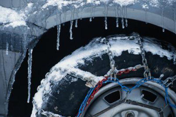 Надеть ли снежные цепи на передние колеса или задние шины?