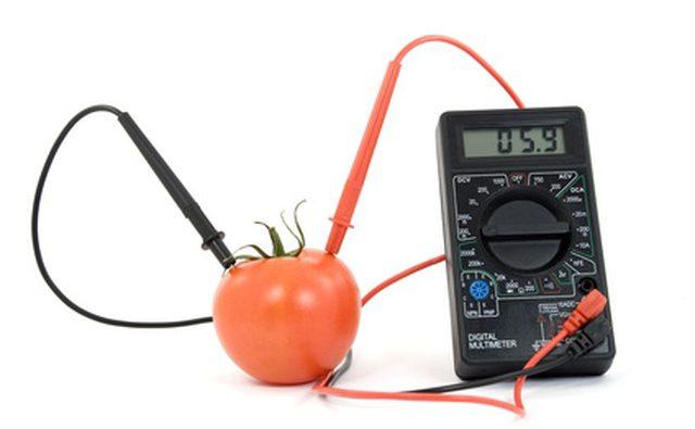 Вольтметры могут проверять заряд батареи или ее отсутствие.