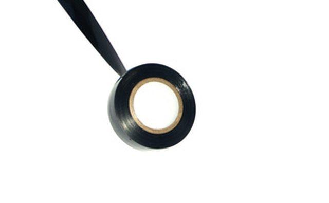 Используйте только черную изоленту для скрепления выводов термостата.