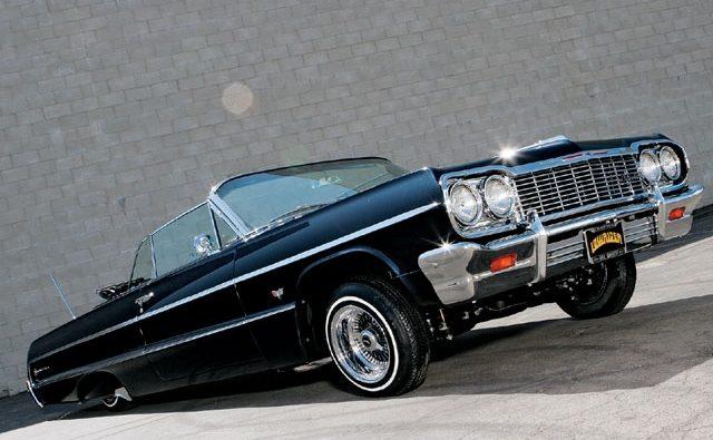 Постоянно популярный в 1964 году Chevy Impala lowrider
