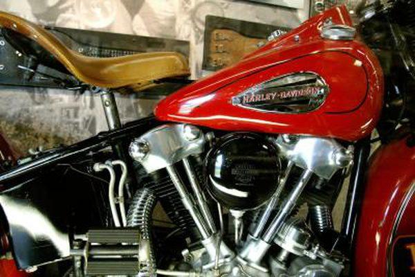 Оригинальные цвета, используемые на Harley-Davidsons в 1950-х