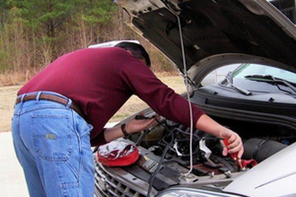 Как начать разряженную автомобильную батарею на BMW
