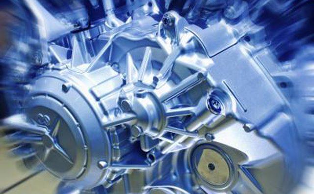 Современный вид автомобильного двигателя.