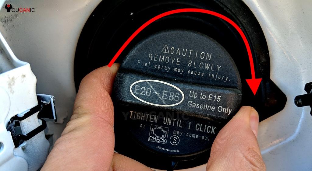 Почему горит лампочка инжектора и что необходимо проверить в первую очередь?