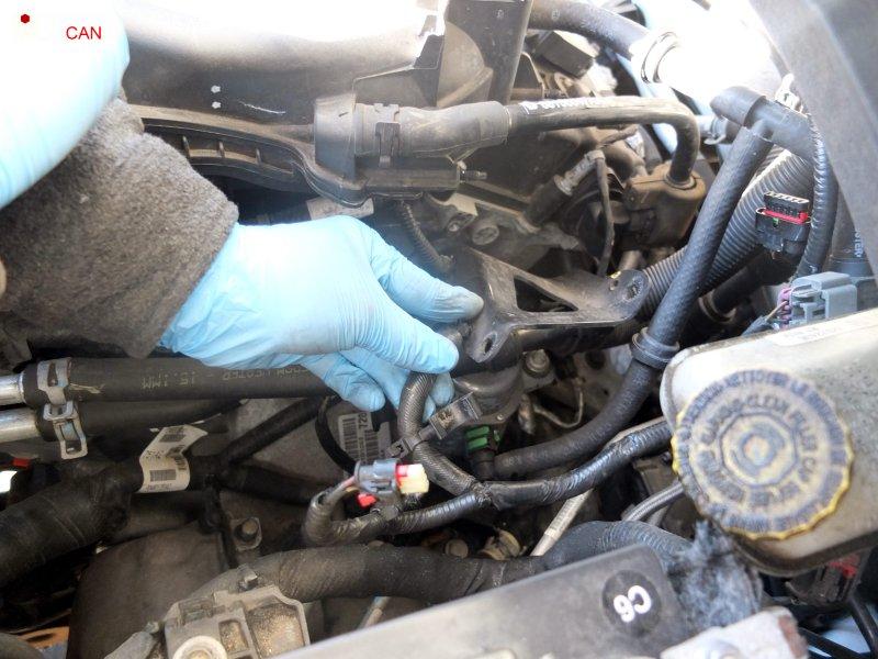 Замена свечей зажигания Dodge Avenger 2011-14 3.6L V6