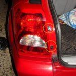 Как поменять задний фонарь в сборе на Dodge Grand Caravan