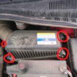 Как заменить двигатель воздушного фильтра на Hyundai