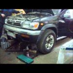 Как извлечь масляный фильтр из Nissan Pathfinder
