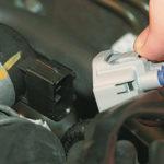 Как отремонтировать жгут проводов и датчик положения дроссельной заслонки
