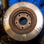 Как проверить деформированные тормозные роторы