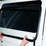 Как снять окно автомобильной двери