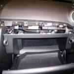 Как снять перчаточный ящик с Mazda 3