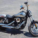 Как вынуть аккумулятор на 2003 Harley Davidson Dyna Low Rider
