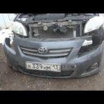 Как заменить бачок омывателя ветрового стекла в Toyota Corolla