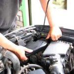 Как заменить лампу фары Subaru Forester