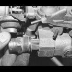 Как заменить топливный фильтр в Rochester Quadrajet