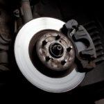 Как заменить тормозные колодки на Dodge Caliber 2007 года