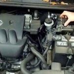 Как заменить воздушный фильтр в автомобилях Nissan