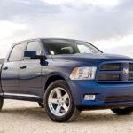 Каков средний пробег бензина для Dodge 5.7 HEMI?