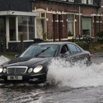 Может ли машина высохнуть после остановки в воде?