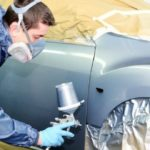 Точные материалы, необходимые для покраски автомобиля