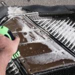 Как чистить автомобильные ковры