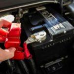 Как диагностировать перезарядку автомобильного аккумулятора
