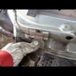 Как исправить дверную петлю на Chevy Silverado